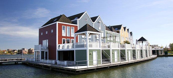 Wasser als Bebauungsfläche – Sind Floating Homes vielleicht die Zukunft des Wohnens?