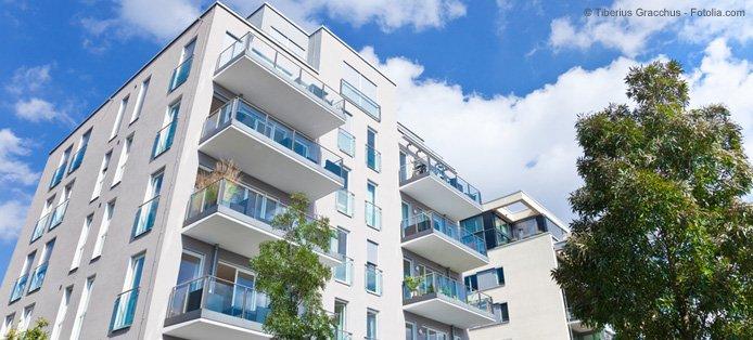 Die Luftdichtheit einer Eigentumswohnung – Wie funktioniert der Blower Door Test im Mehrfamilienhaus?