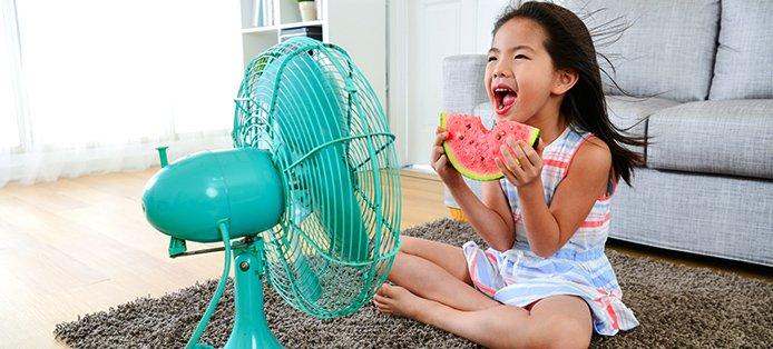 Sommertipps für ein kühles Raumklima: Das macht ihr ohne Klimaanlage gegen Hitze im Haus!